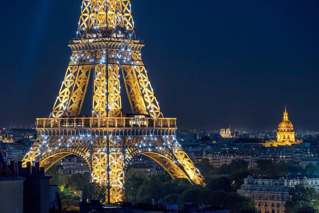Paris blue hour by thomas brenac