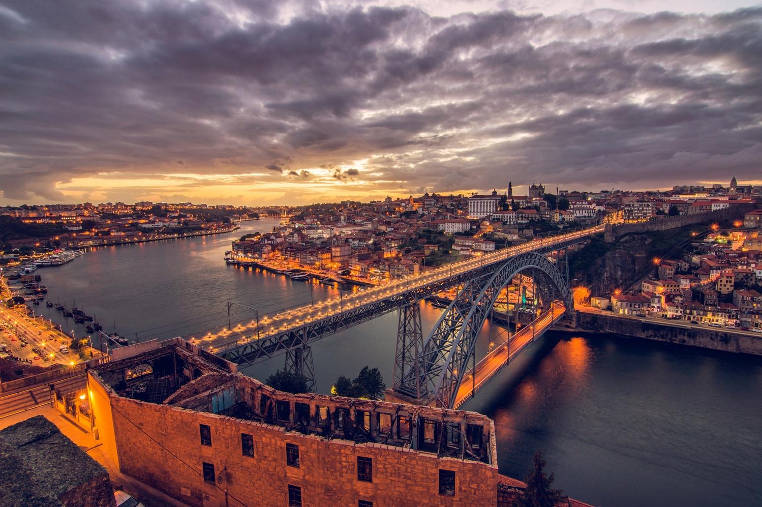 Porto by Pedro Cunha