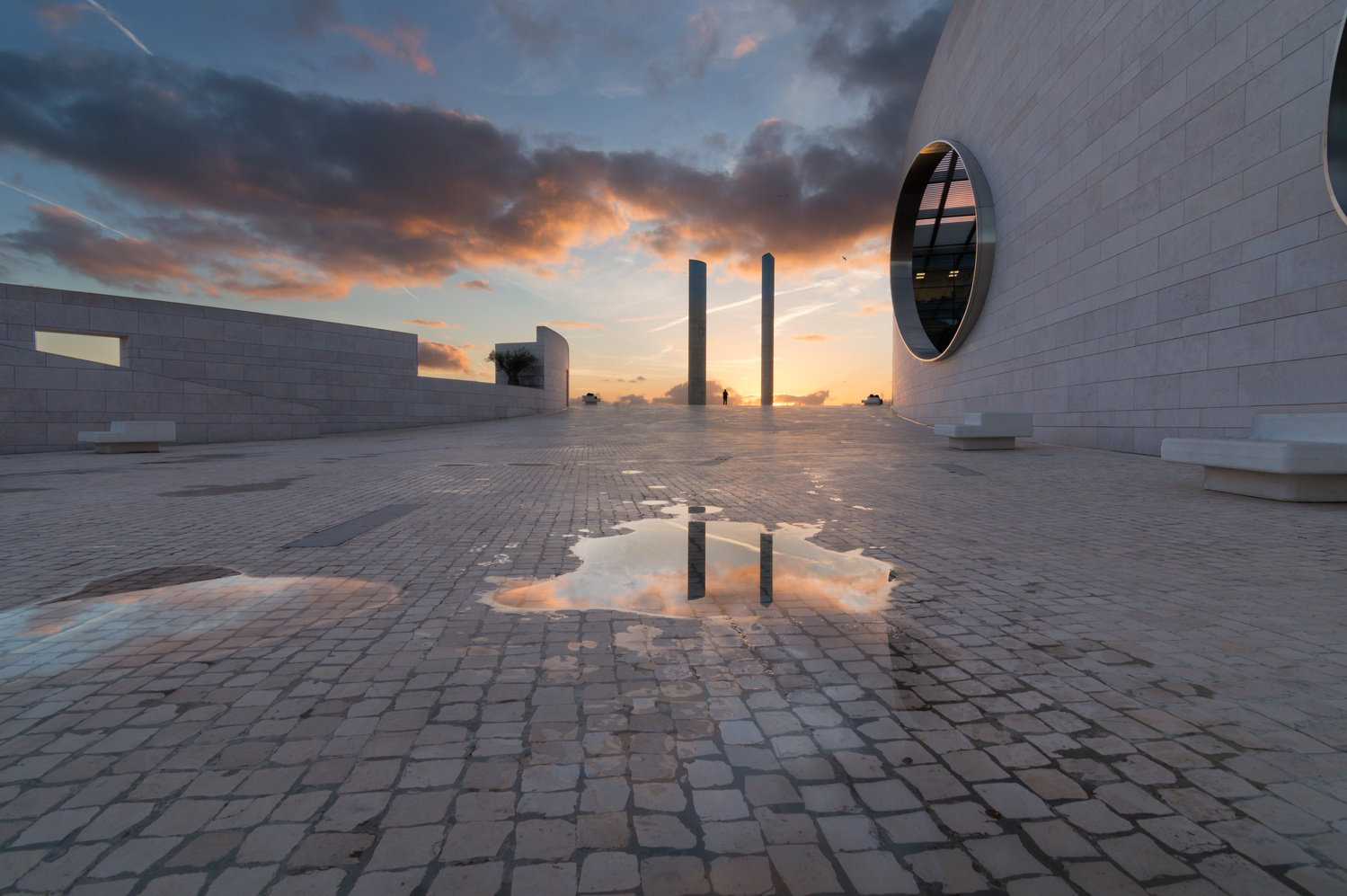 Portal by Pedro Cunha