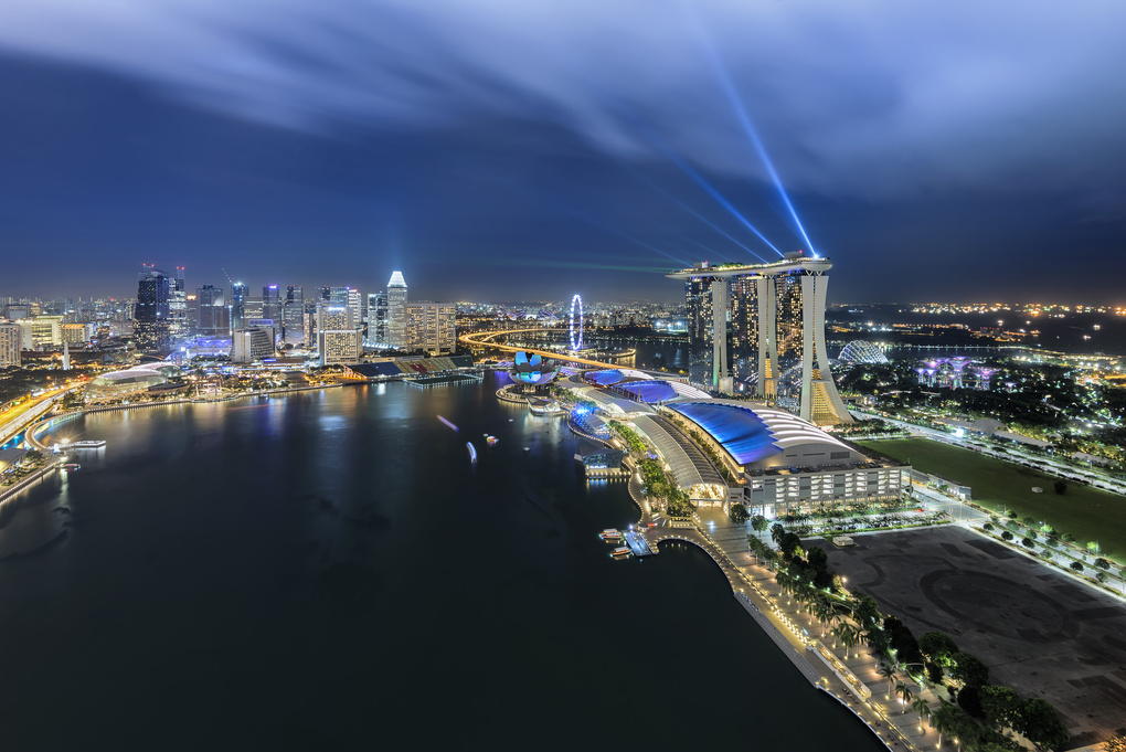 Light of the city @ Marina Bay Sands by Tapanuth Termboonvanich