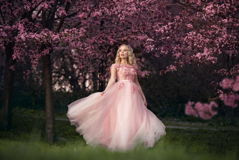 Pink dreams by Anna Pyhäjärvi