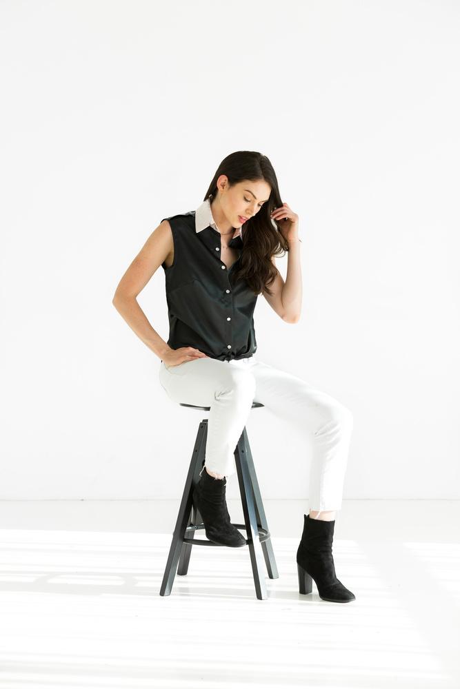 Model Sitting by Jeff Blickenstaff