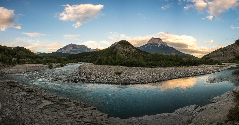 Rio Cinca in the Spanish Pyrenees by Oliver Clarke