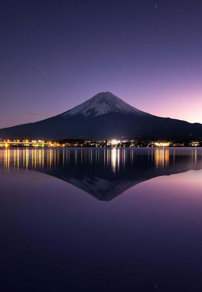 Good Night Fujisan by Mik Og