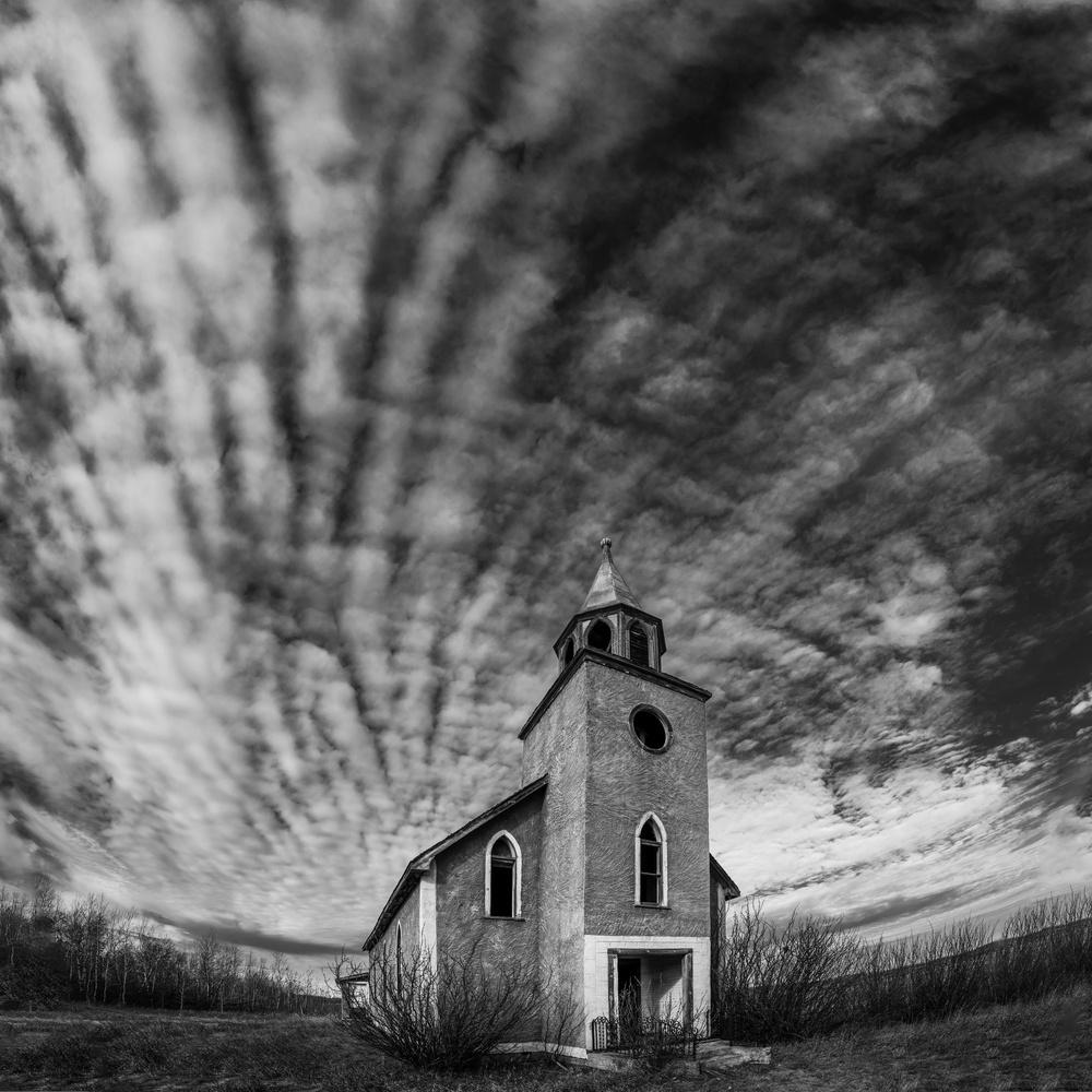 B&W Abandoned church by Craig Taylor