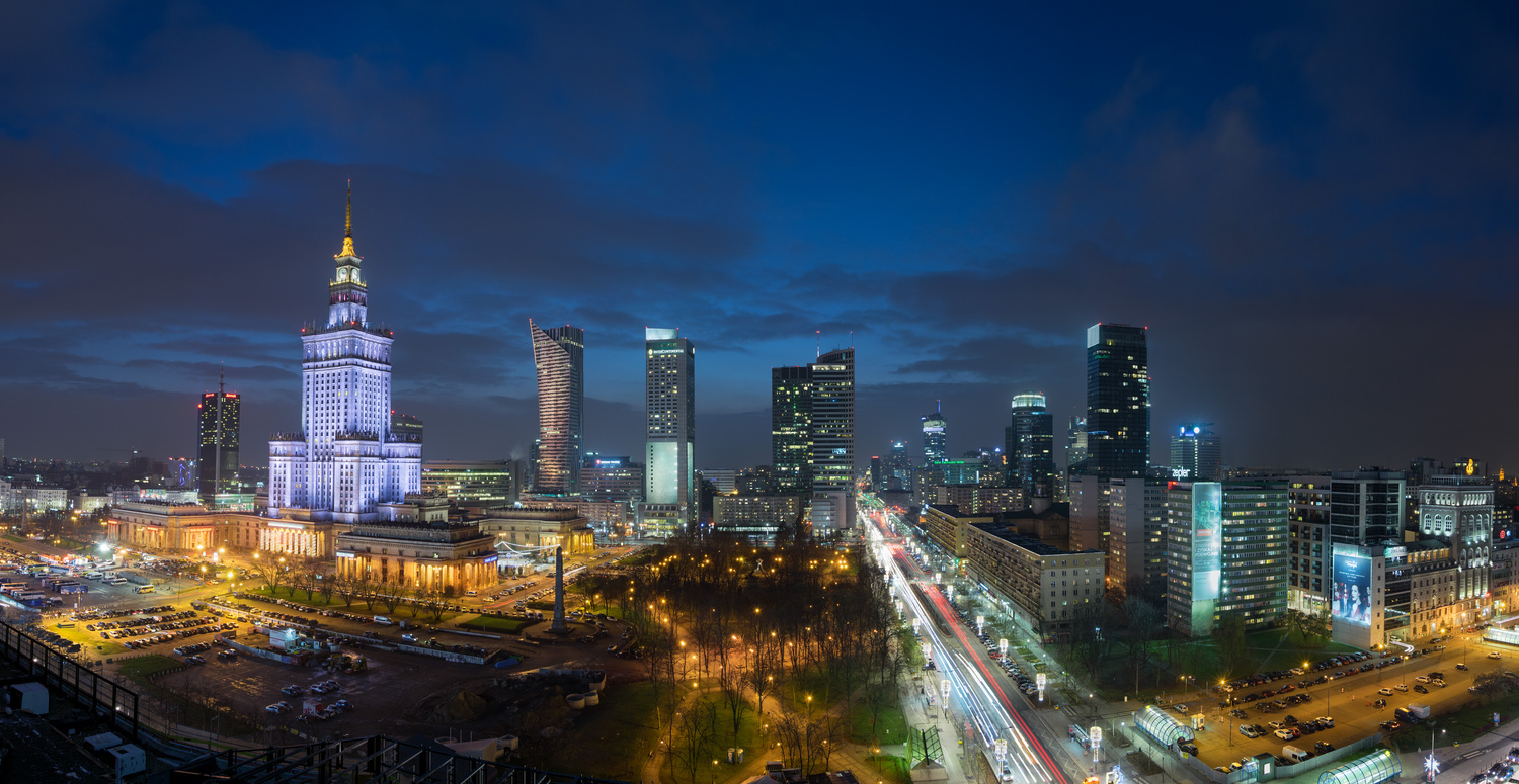 Warsaw at night by Andy Squib