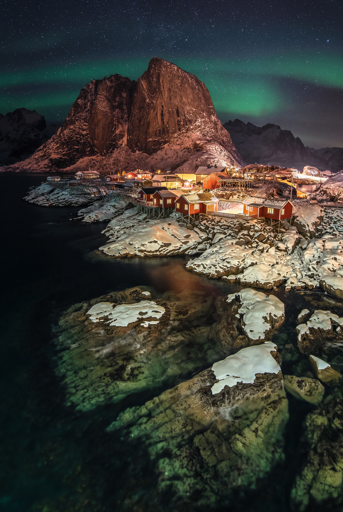 Hamnøy at Night. by Lukas Petereit