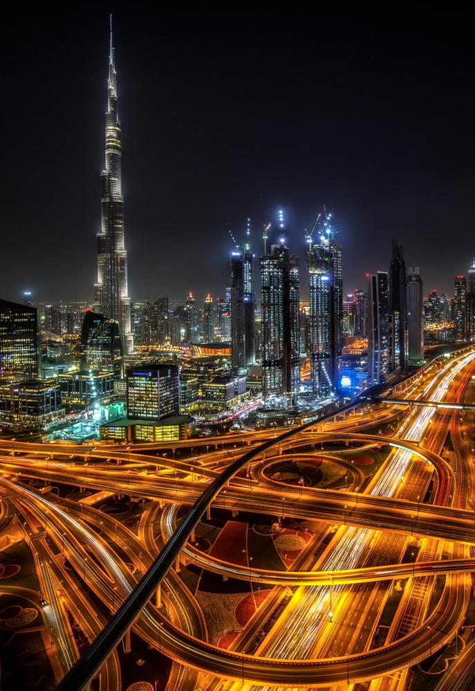 Burj Khalifa. by Lukas Petereit