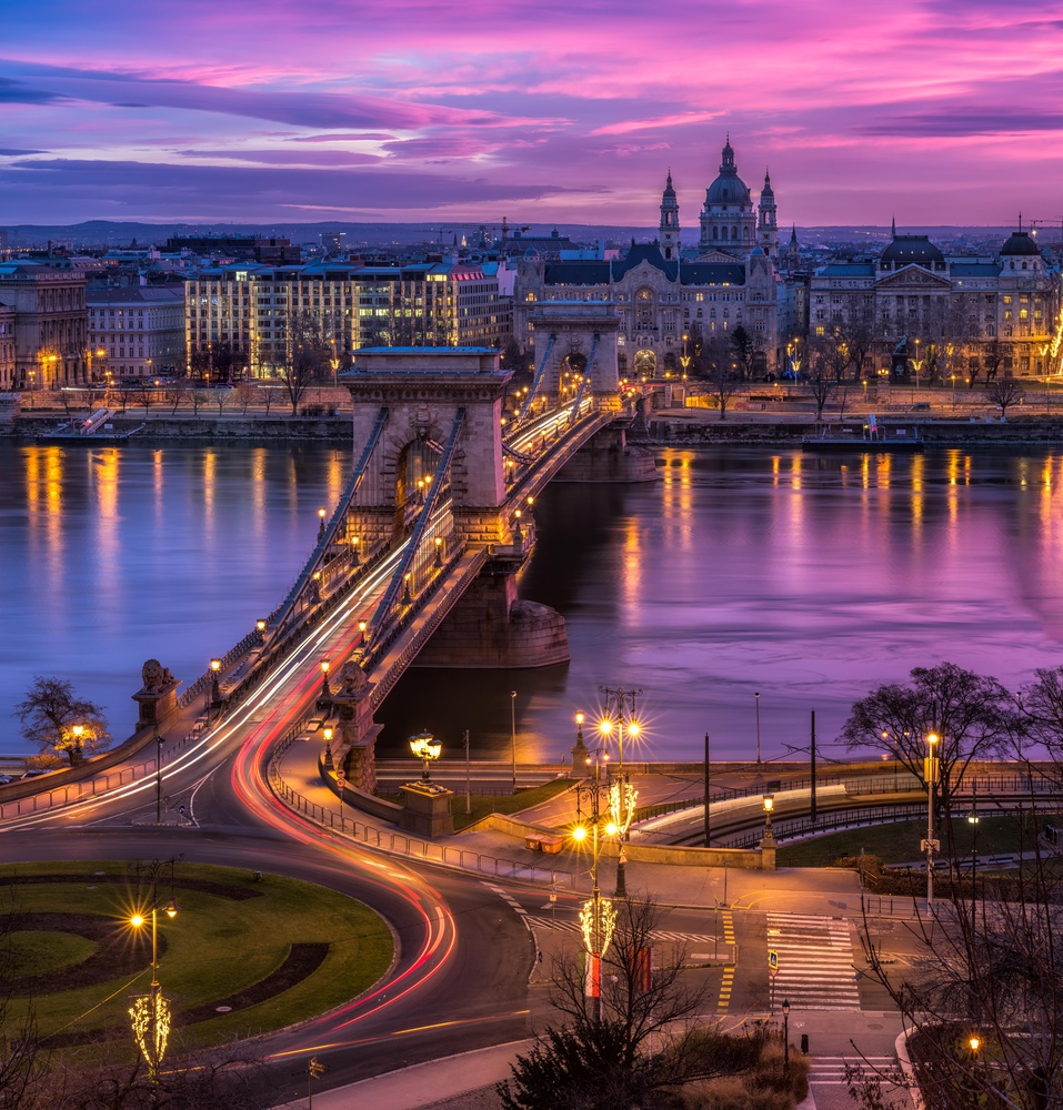 Glowing Sky over Budapest. by Lukas Petereit