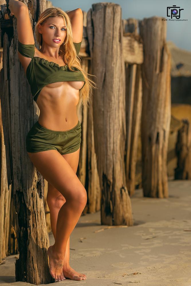 Tha Blonde Baddie by Perry Robinson