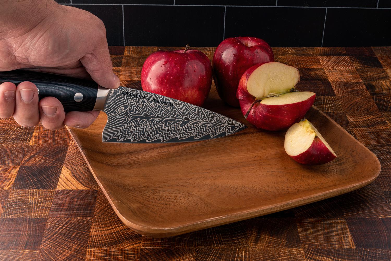 Apple-cut by Muhammad Al-Qatam