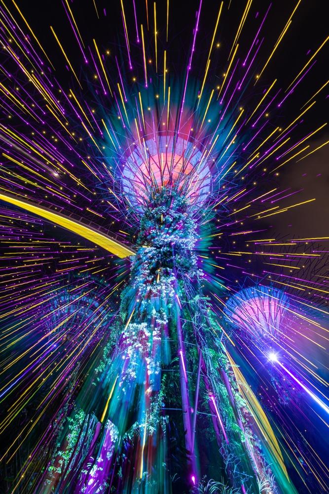 Neon glow by Muhammad Al-Qatam