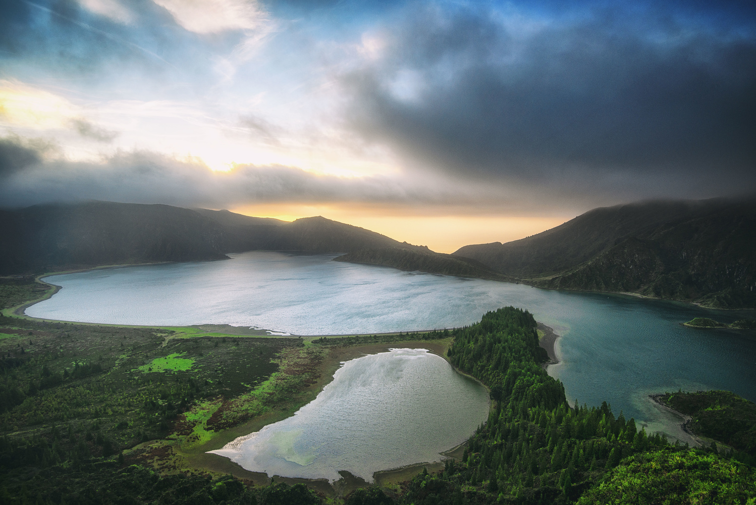 The Crater by Wix Mo
