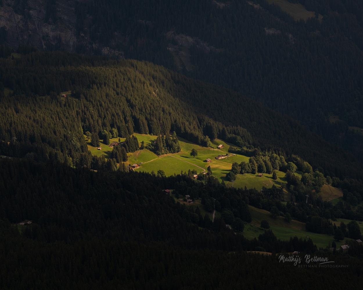 Eiger Ultra Trail with sunrise by Matthijs Bettman