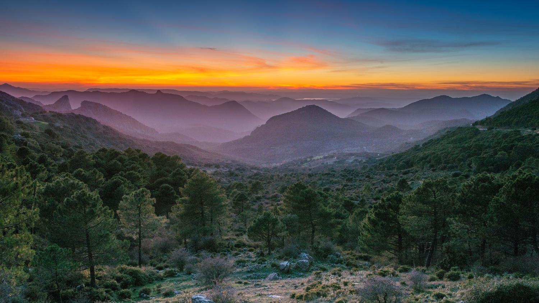 Sunset mountains by Matthijs Bettman