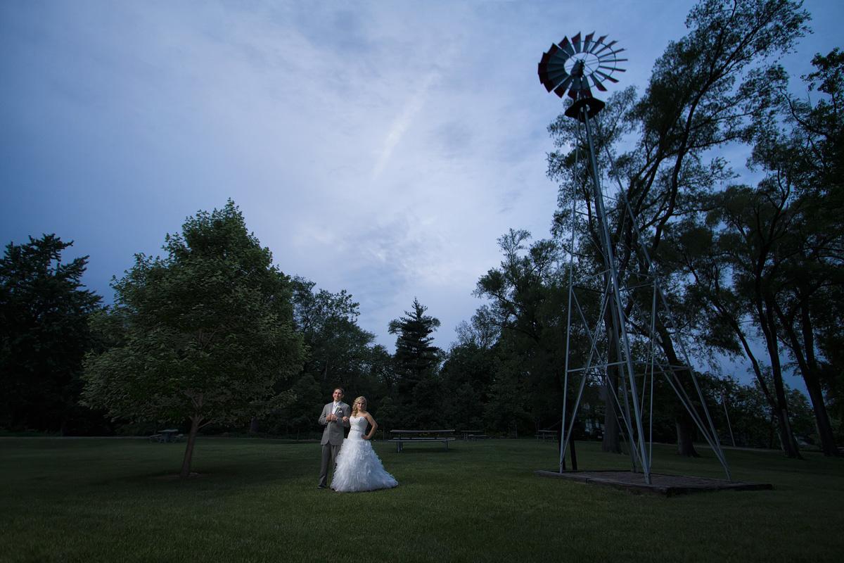 Robbie & Kim - Wedding Portrait  by Aaron Brown