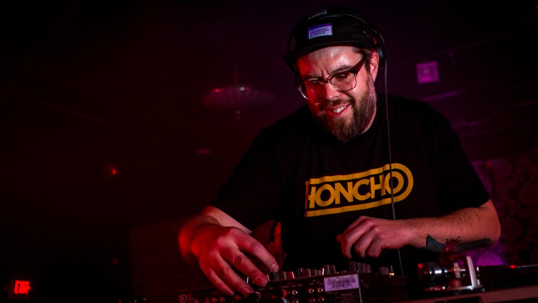 DJ - Avalon  by Tim Evans