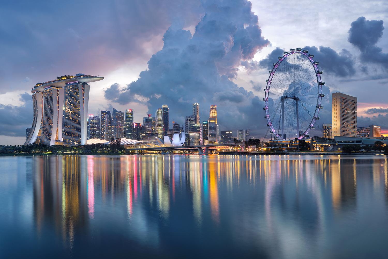Big city life by Lionel Fellay