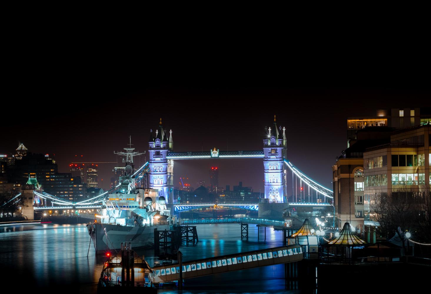 Tower Bridge by Pim van den Hoorn