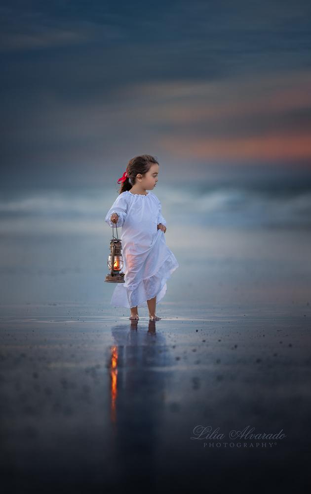 The sea... by Lilia Alvarado