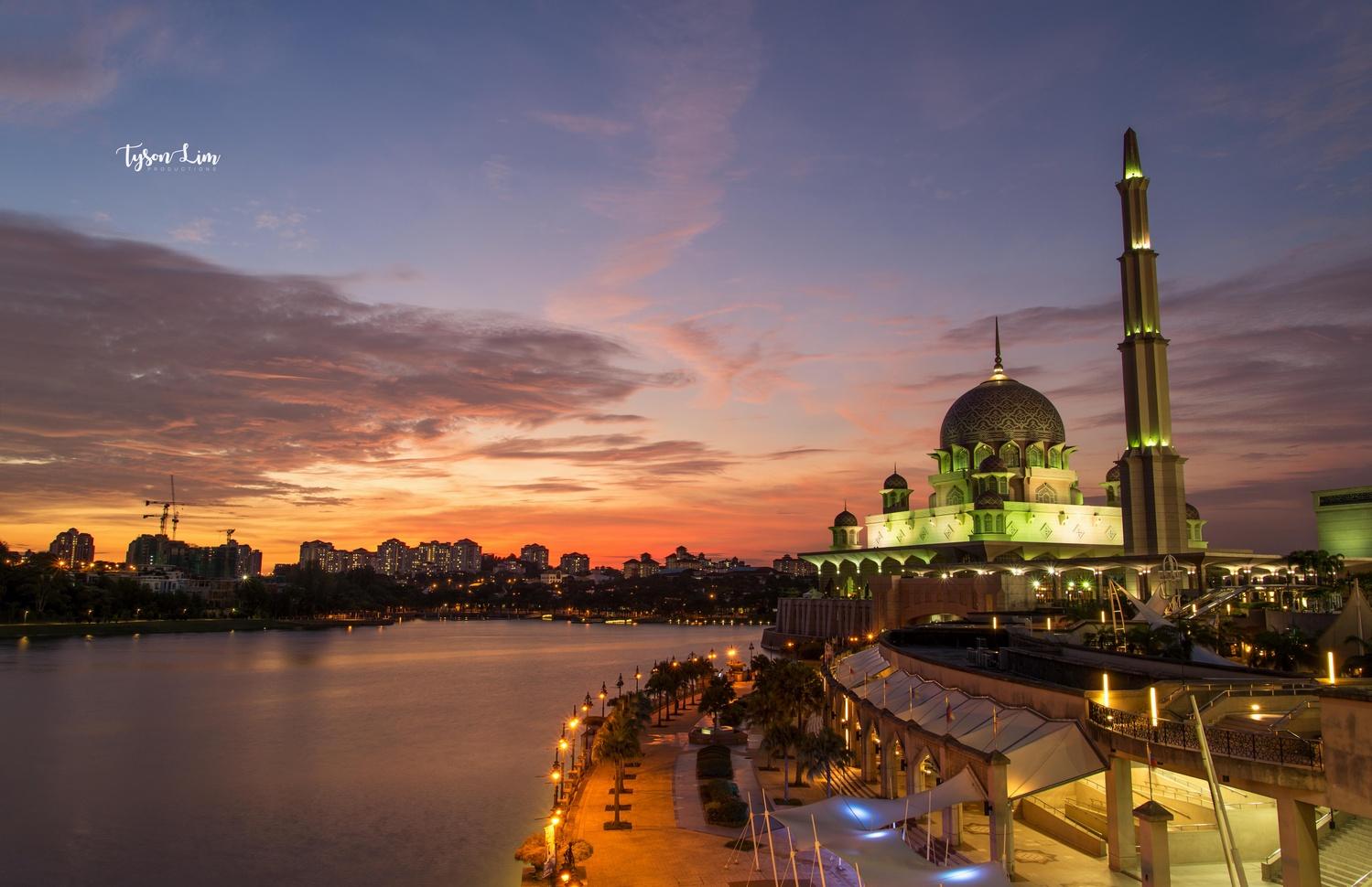 Putra Mosque Sunset by Tyson Lim