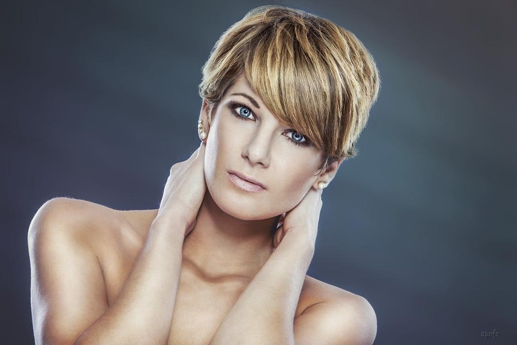 Portrait Sarah by Kenny Beele