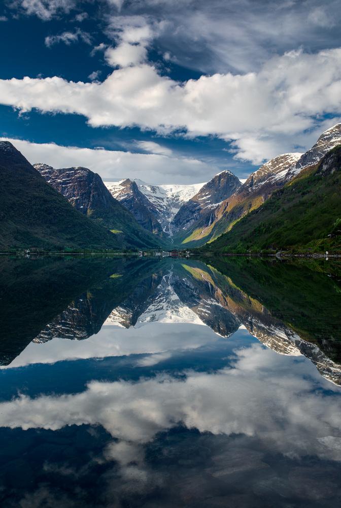 Reflections by Alexander Jonsaas