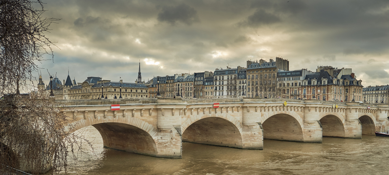 Paris Pont-Neuf by bruno Garenne-Alabadi