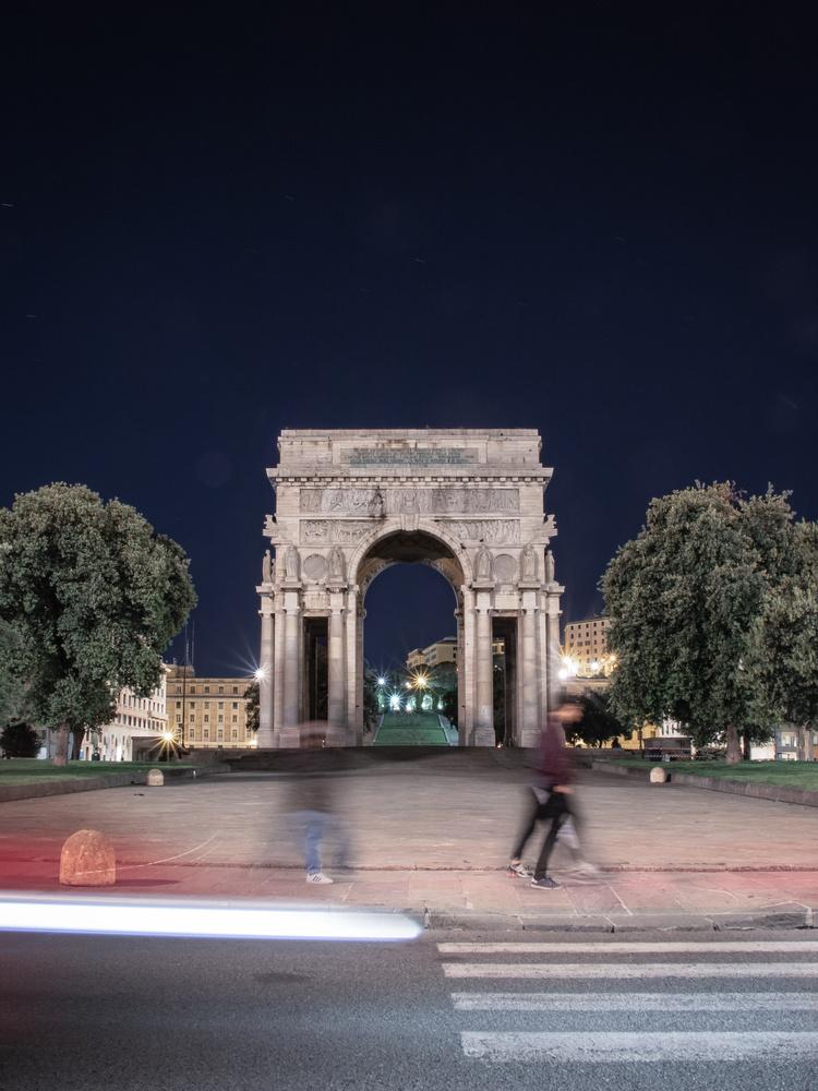 Arco della Vittoria by Mariusz Strawinski