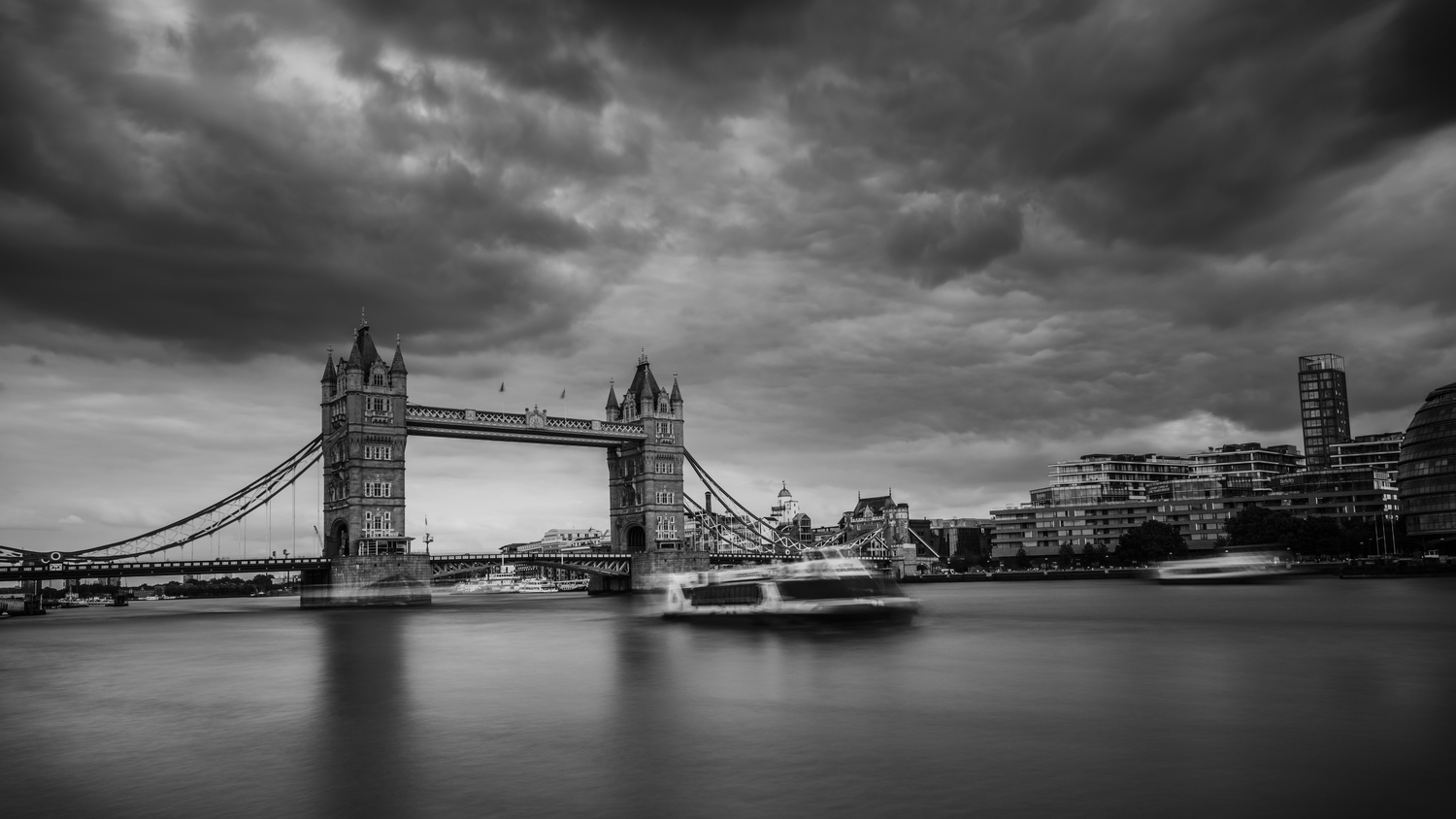 Cloudy Day by ismail hassanaly