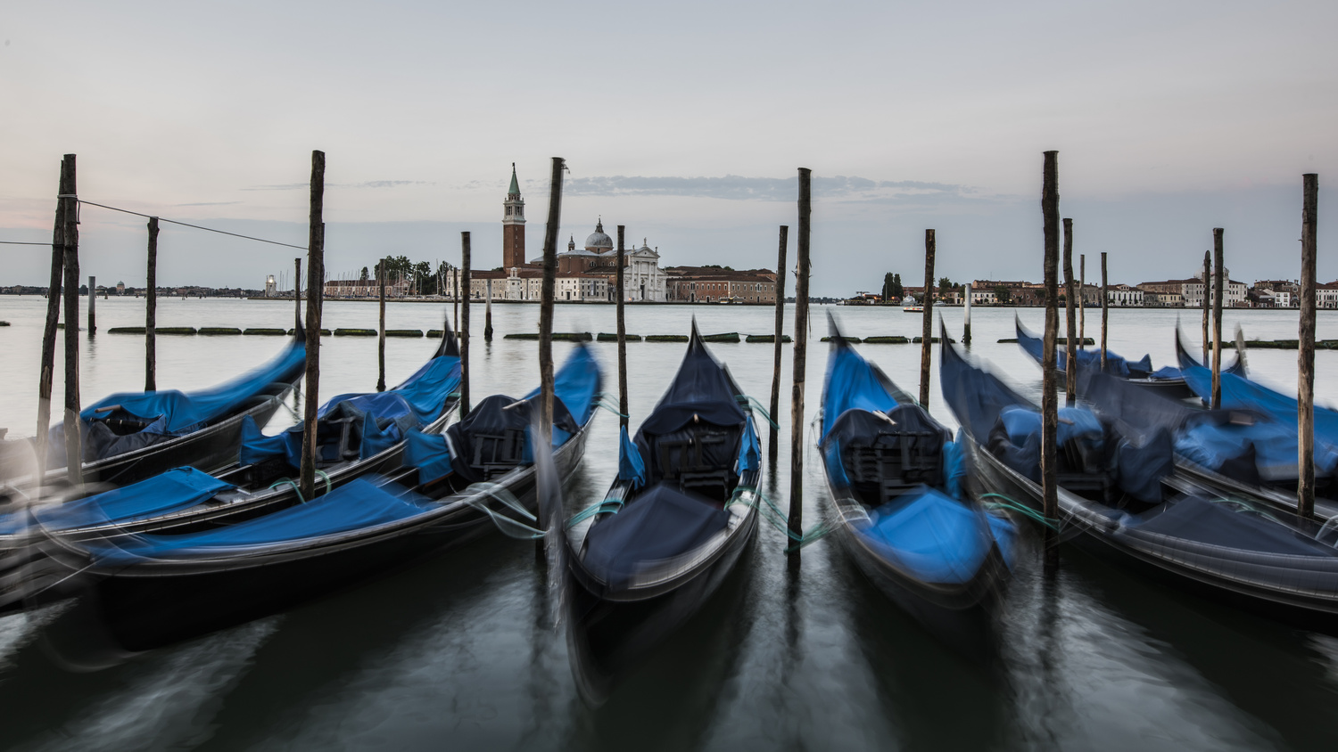 Dancing gondolas by ismail hassanaly