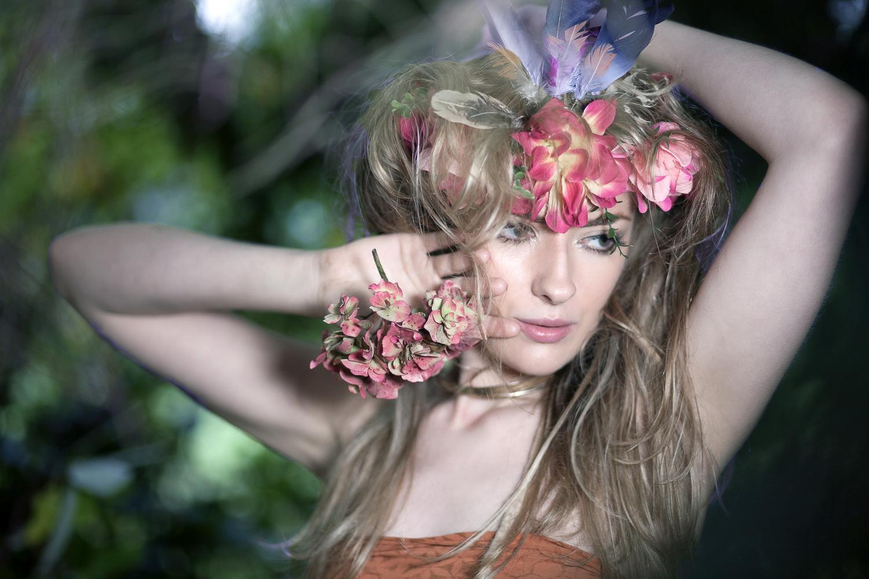 Flowercrown and messy hair by Taz Rahman