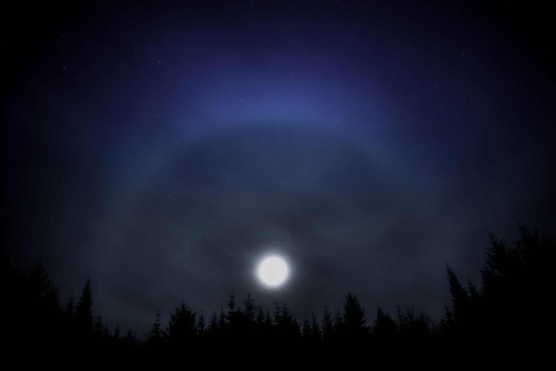 Moon Halo by Zoltan Tot