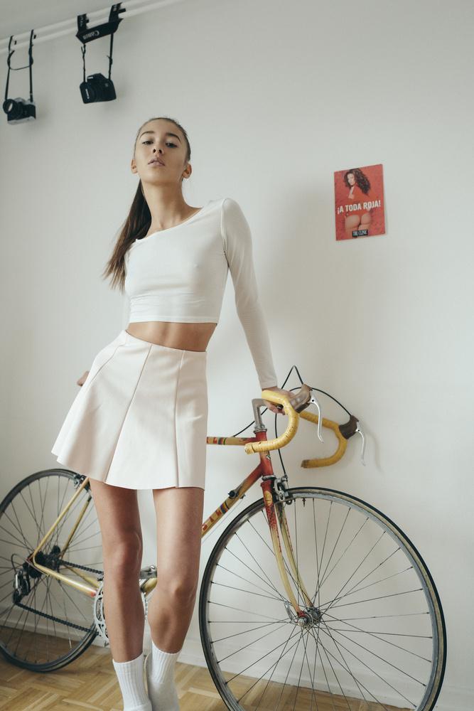 Lina Alice by Dominik Leiner