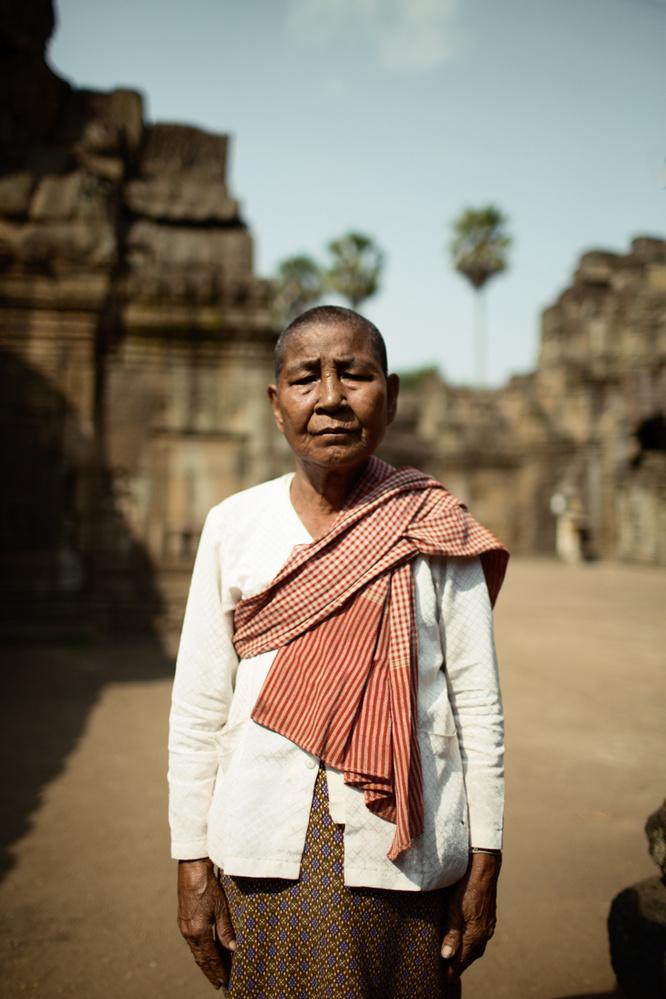 Khmer woman at the Wat Nokor by Envela Castel