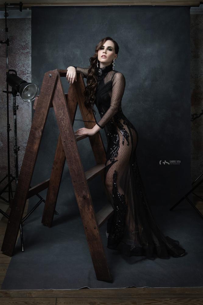 Portrait of a girl by Gabriel Sosa