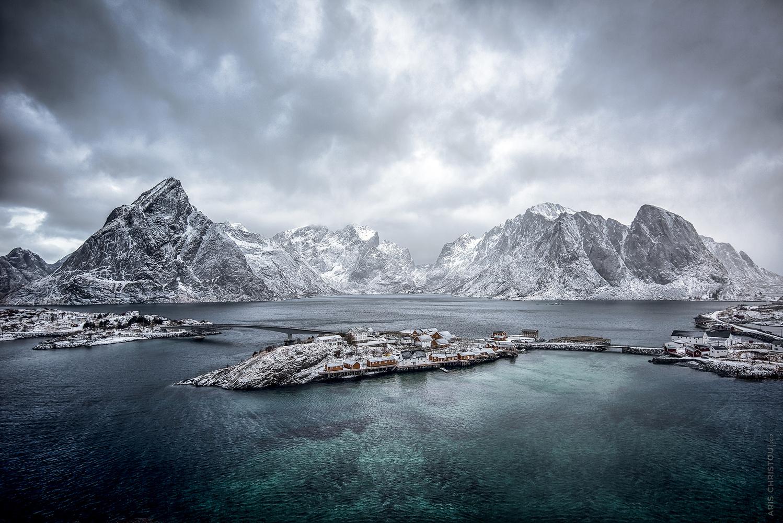 Sakrisøy Rorbuer | Reine by Aris Christou