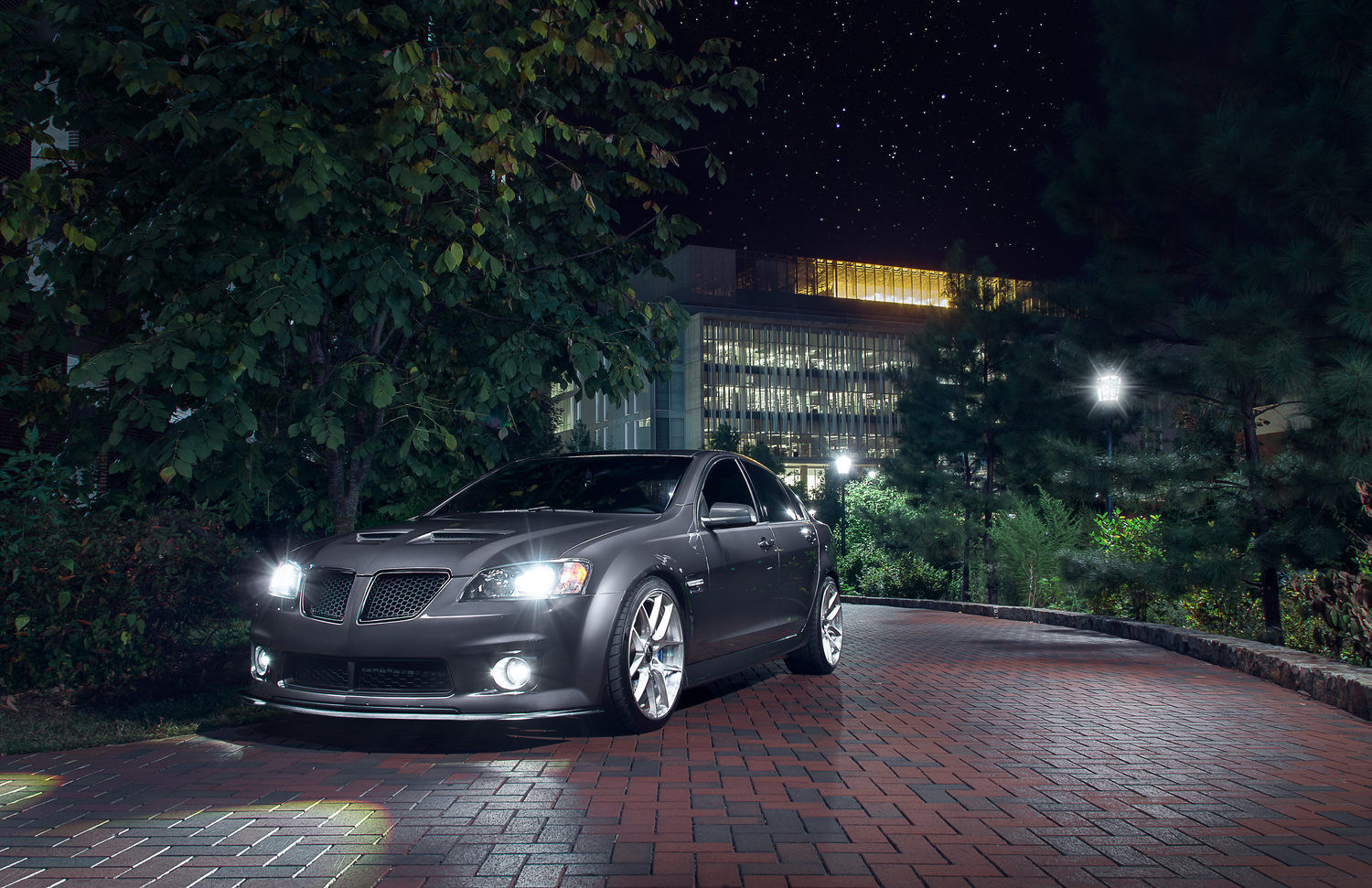 Pontiac G8 by Jimmy Zhang