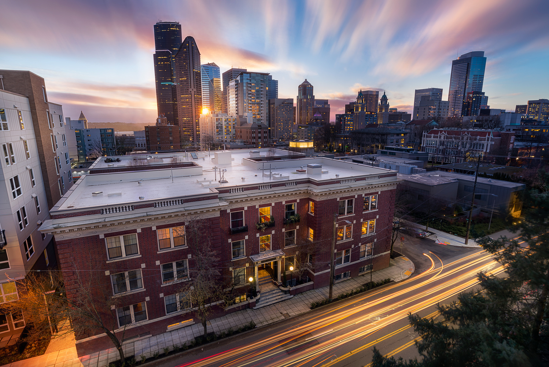 Winter Sunset in Seattle by Bogdan Tishchenko