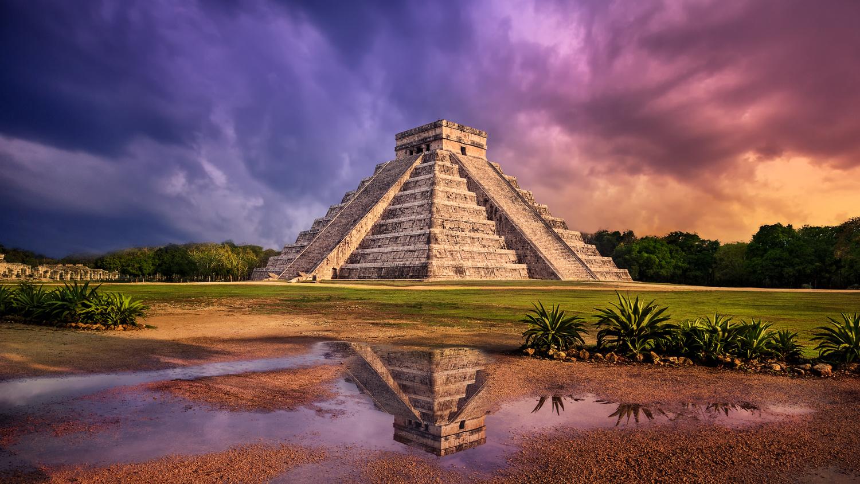 Chichen Itza, Mexico by Stas F