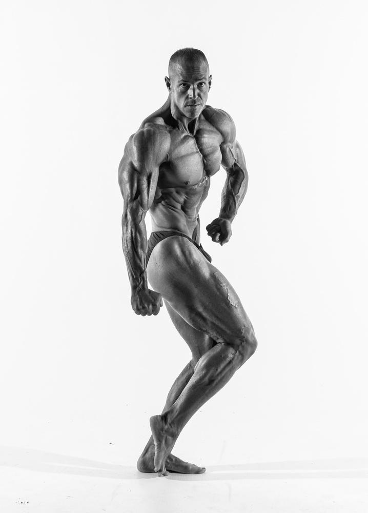 The Pose by Robert Rainbow