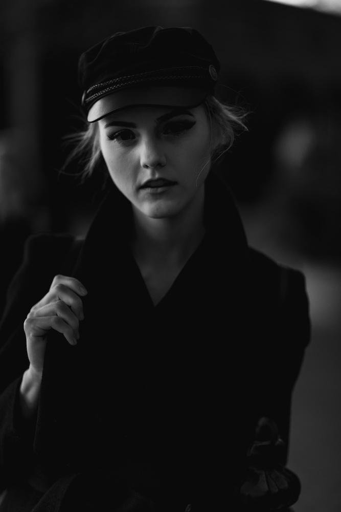 B&W Portrait by Robert Rainbow