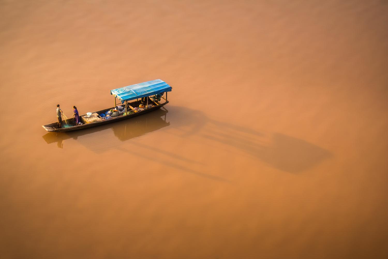 Yangzi river in China by Pavel Dvorak