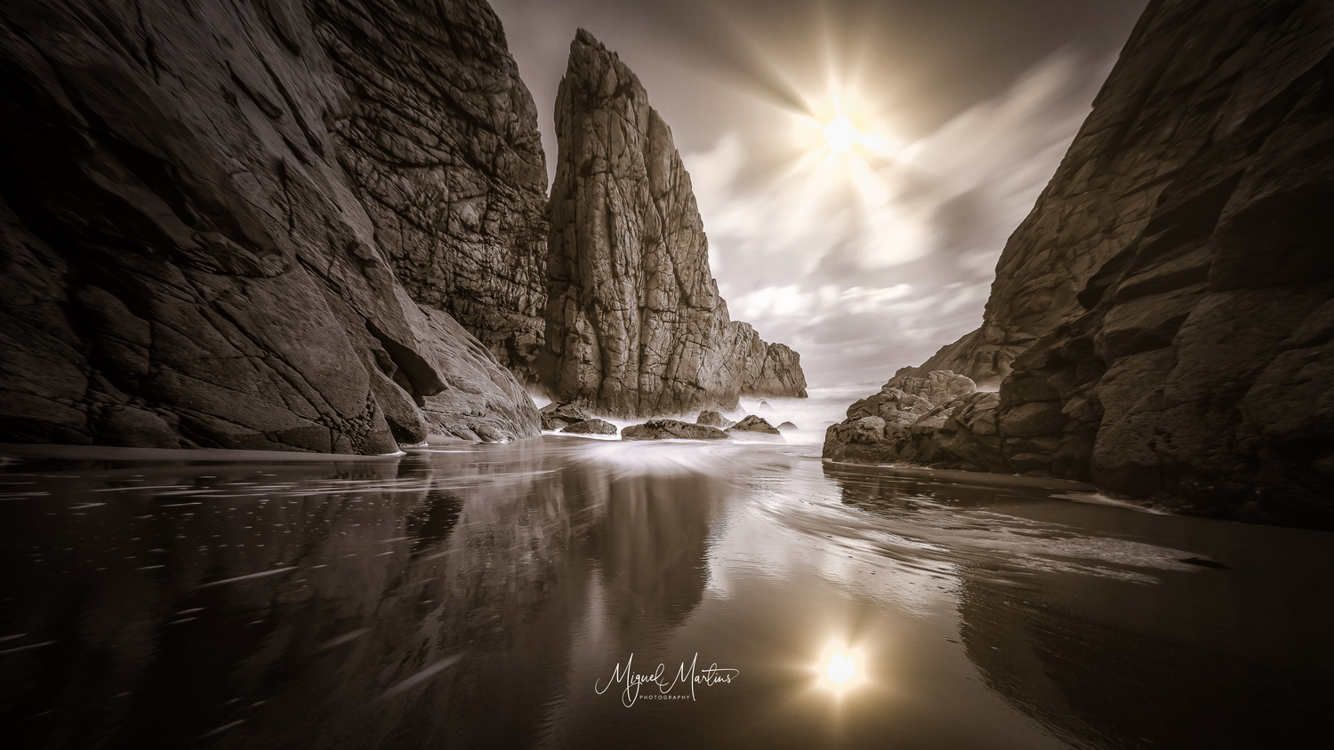 Flow blow by Miguel Martins