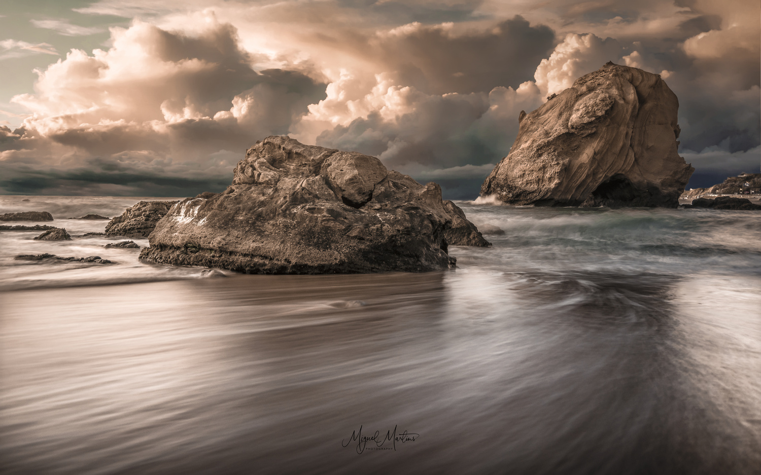 Last Light by Miguel Martins