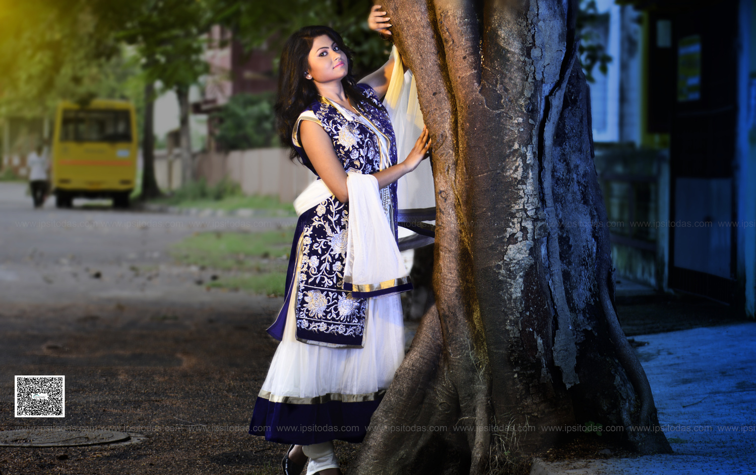 Out Door Photo shoot indian ethnic wear for Kolkata based Client  by Ipsito Das