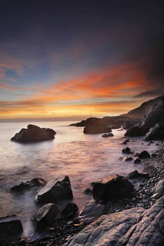 sunrise by Nhat Le Trieu