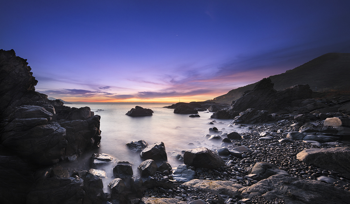 dawn on rocky bay by Nhat Le Trieu