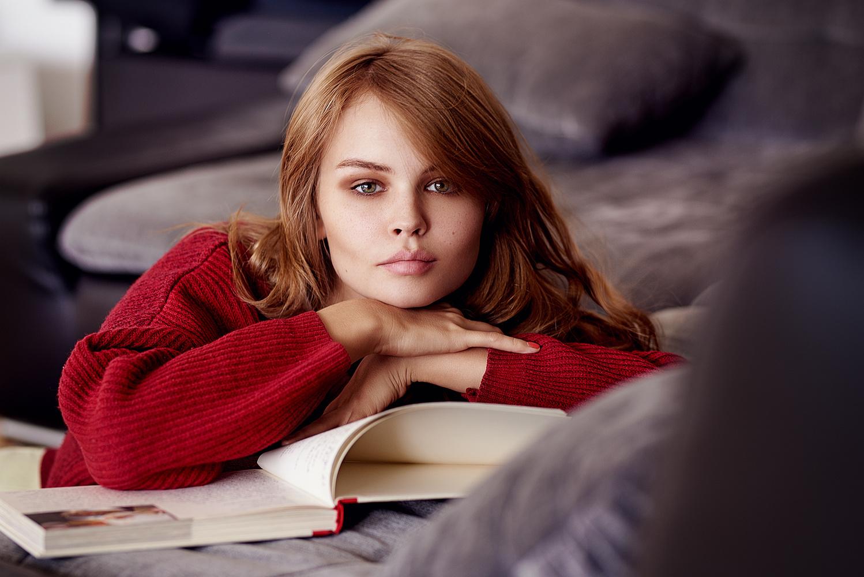 Anastasiya Scheglova gets relaxed by Design Pictures