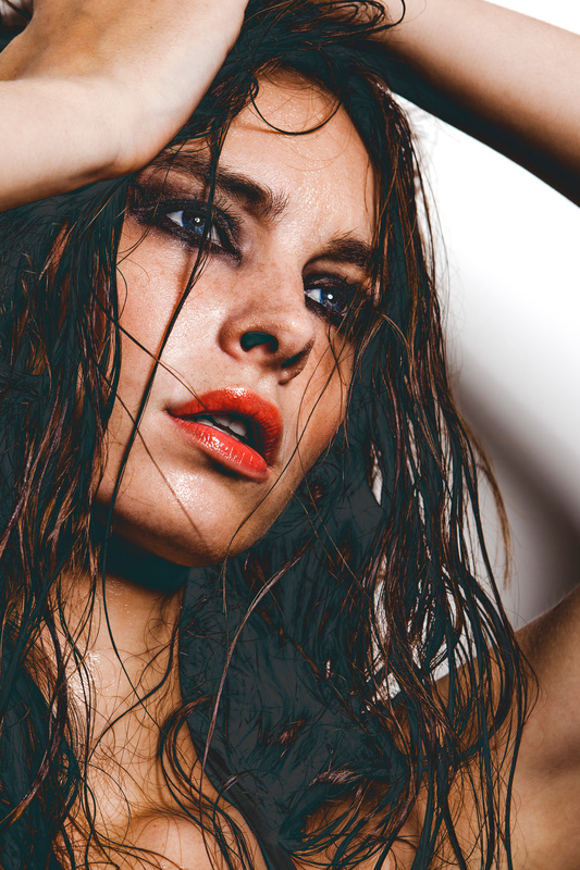 Wet Jessica  by Federico Guendel